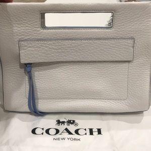 Coach clutch 🌸